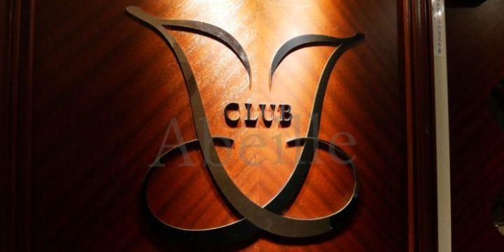 銀座クラブの扉