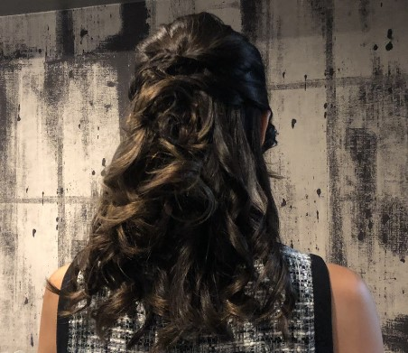 ハーフアップの髪型