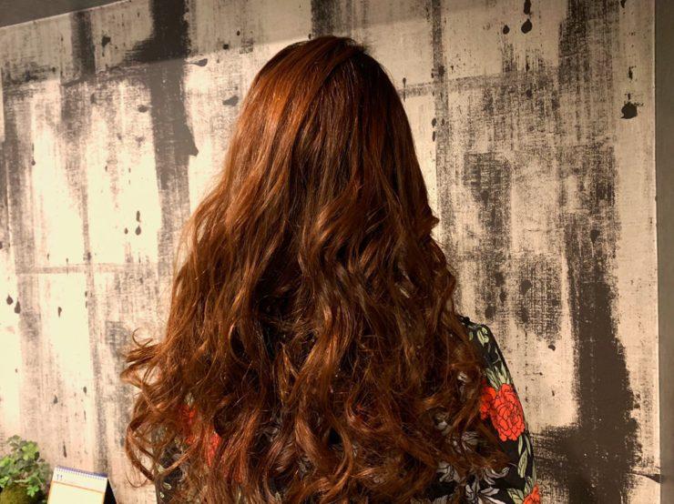 巻きおろしの髪型
